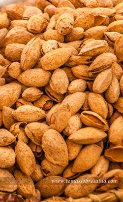 alimentos ricos en calcio - almendras