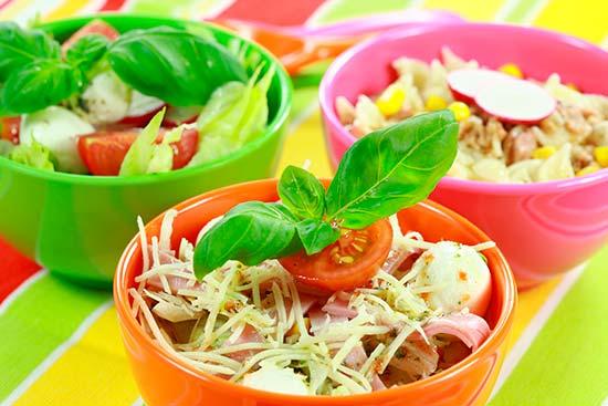 Cuencos-de-ensaladas-varias