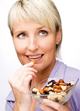 Consumir frutos secos promueve la saciedad