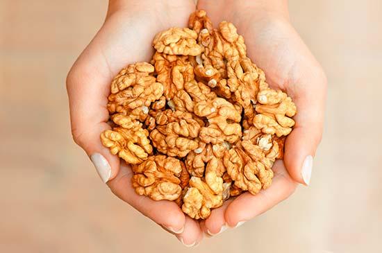 Consumir frutos secos promueve la SACIEDAD selenio