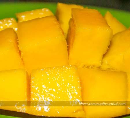 Los mangos tienen un índice glucémico promedio y una carga glucémica baja