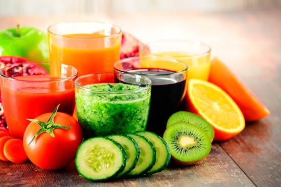 lupus eritematoso sistémico: Una forma eficaz de aumentar los antioxidantes y fitonutrientes es mediante el consumo regular de jugos de verduras y frutas