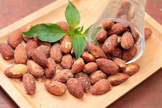 Consumir frutos secos promueve la saciedad nueces