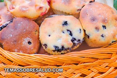 Los arándanos frescos o secos dan un sabor extra a panecillos y pasteles