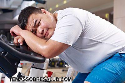Joven obeso extenuado y con dificultad para respirar